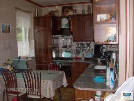 Eladó 4+3 szobás családi ház Csömör
