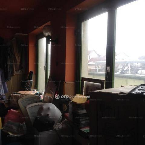 Eladó családi ház, Debrecen, 6 szobás