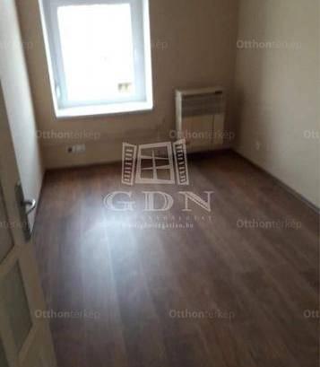 Pécs 2 szobás lakás eladó a Somogyi Béla utcában