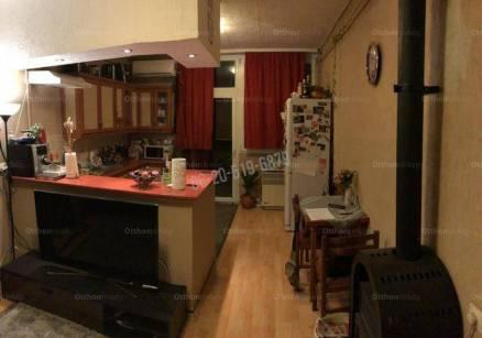 Eladó lakás, Kalocsa, 3 szobás