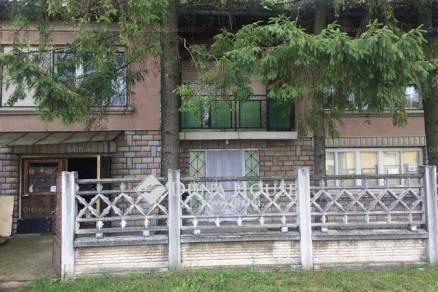 Eladó családi ház Kál, Arany János utca, 6 szobás