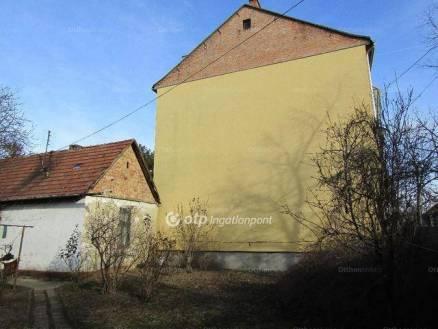 Szolnoki családi ház eladó, 50 négyzetméteres, 1 szobás