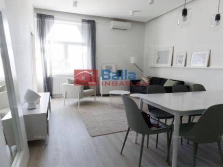 Budapest eladó lakás Újlipótvárosban a Jászai Mari téren, 71 négyzetméteres