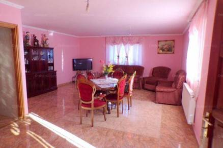 Látrányi eladó családi ház, 4 szobás, 80 négyzetméteres