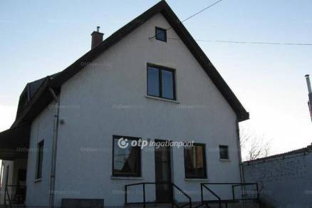Eladó 4 szobás családi ház Hatvan
