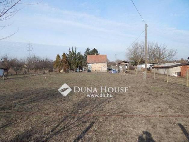 Debrecen telek eladó az Árnika utcában