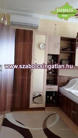 Eladó lakás Nyíregyháza, 1+3 szobás