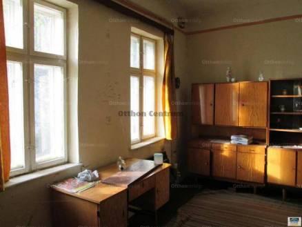 Debreceni házrész eladó a Hatvan utcában, 50 négyzetméteres