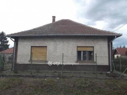 Jászfényszaru családi ház eladó, 2 szobás