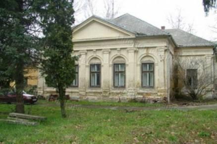 Molványi eladó családi ház, 8 szobás, 450 négyzetméteres