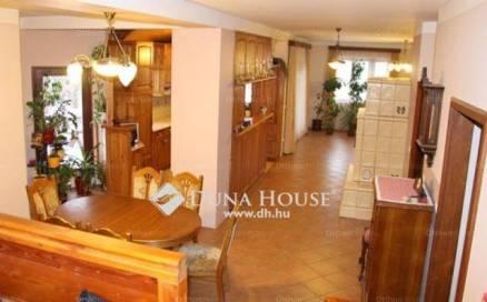 Nádasd családi ház eladó, 2+3 szobás