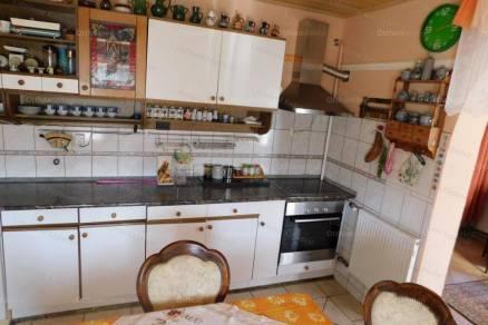 Igali családi ház eladó, 130 négyzetméteres, 6+6 szobás