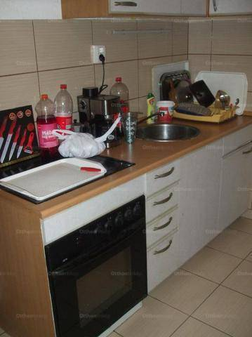 Eladó lakás Szeged, Madách utca, 1+1 szobás
