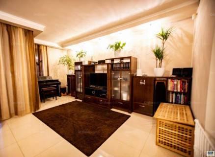Kecskeméti sorház eladó, 224 négyzetméteres, 4 szobás
