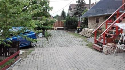 Eladó 3+1 szobás családi ház Budaörs