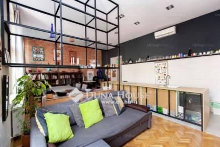 Budapesti lakás eladó, Krisztinavárosban, 2+1 szobás