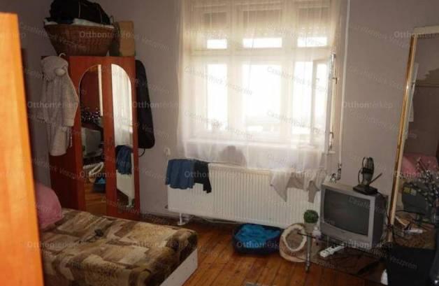 Családi ház eladó Veszprém, 50 négyzetméteres
