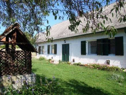 Családi ház eladó Balatonalmádi, 202 négyzetméteres