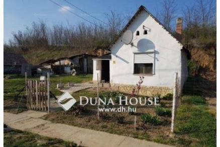Eladó családi ház Diósviszló, Vörösmarty utca, 1+1 szobás