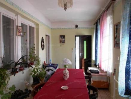 Családi ház eladó Dunaföldvár, 100 négyzetméteres