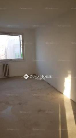 Eladó lakás Újhegyen, X. kerület Kővágó utca, 3 szobás