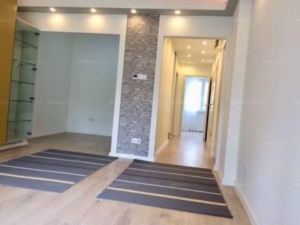 Eladó lakás Törökvészen, a Gábor Áron utcában, 1+2 szobás