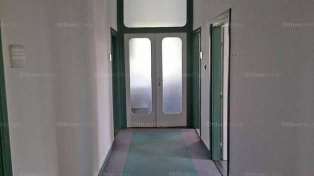 Pécs 8 szobás ház kiadó