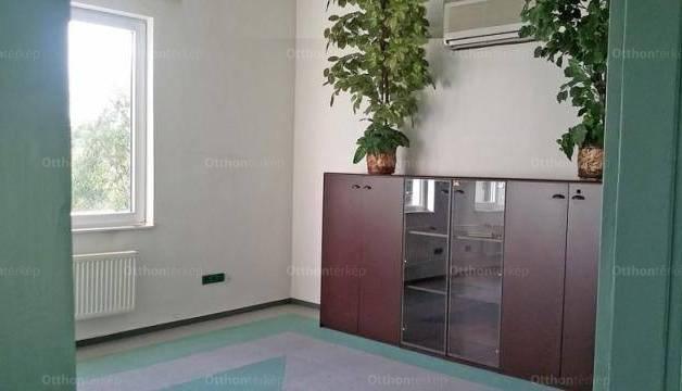 Pécs 8 szobás lakás kiadó