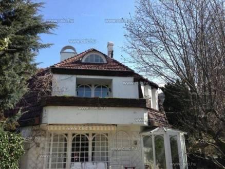 Eladó családi ház Budapest, 7+2 szobás