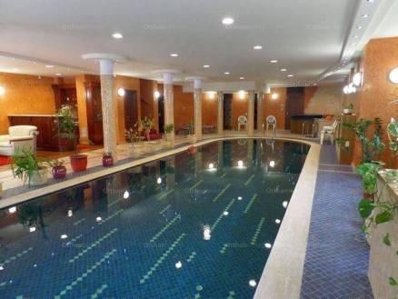 Budapesti eladó családi ház, 8 szobás, 360 négyzetméteres