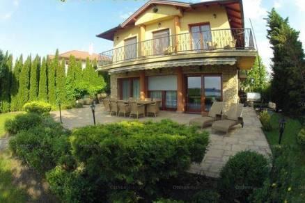 Balatonőszöd nyaraló kiadó, Hullám utca, 9 szobás, új építésű
