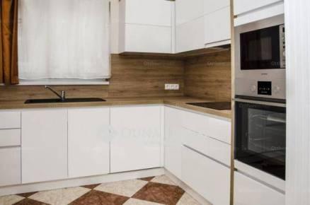Győr családi ház eladó, 3+1 szobás