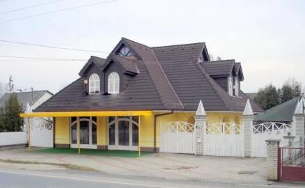Eladó 6 szobás ház Balatonlelle