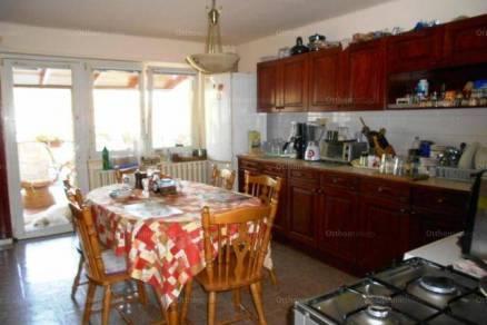 Eladó 7 szobás családi ház Gyöngyössolymos