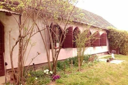 Családi ház eladó Dunafalva, 128 négyzetméteres