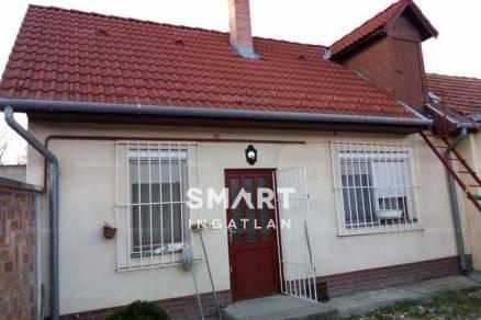 Kiskunfélegyháza házrész eladó, 1 szobás