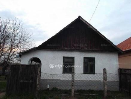 Jászfényszarui családi ház eladó, 36 négyzetméteres, 1 szobás