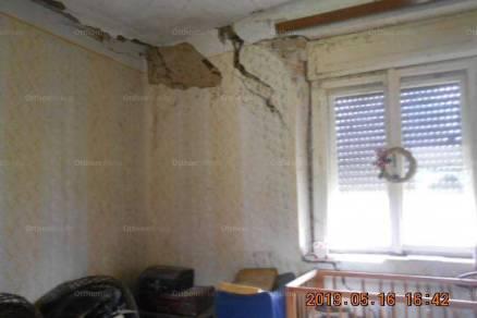Eladó családi ház Beremend, 8 szobás