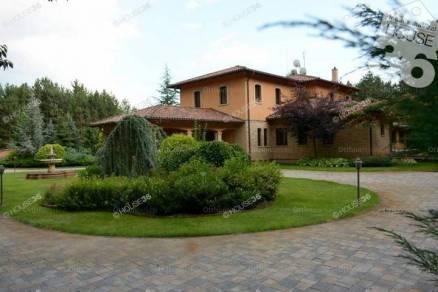 Családi ház eladó Kecskemét, a Ballószög tanyán, 862 négyzetméteres