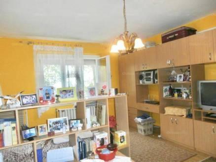 Eladó lakás Békéscsaba, 2 szobás