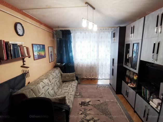Eladó lakás Kelenföldön, az Etele úton, 2 szobás