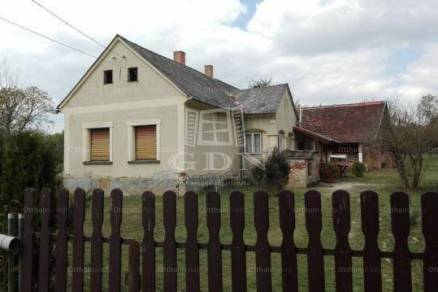 Családi ház eladó Kercaszomor, 96 négyzetméteres