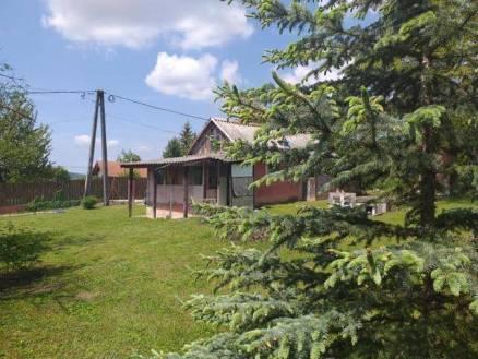 Budakeszi eladó nyaraló, 2+1 szobás, 34 négyzetméteres