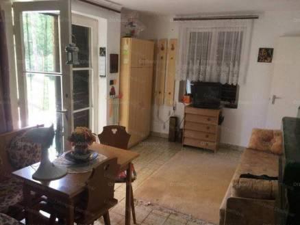 Dombóvári eladó nyaraló, 1+1 szobás, 81 négyzetméteres