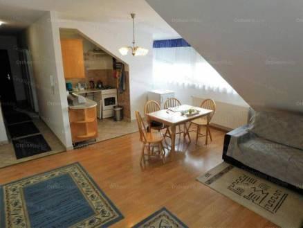 Veszprémi lakás eladó, 80 négyzetméteres, 3 szobás