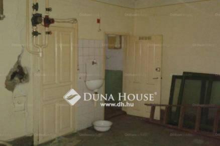 Jászapáti eladó családi ház, 4 szobás, 140 négyzetméteres