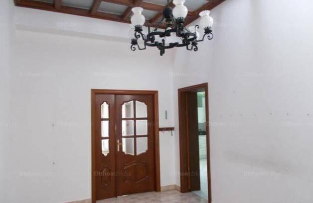 Balatonfüredi eladó családi ház, 3 szobás, 120 négyzetméteres