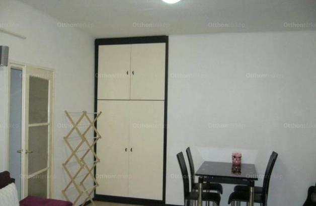 Eladó, Szolnok, 1+1 szobás