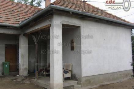Családi ház eladó Hernád, 70 négyzetméteres
