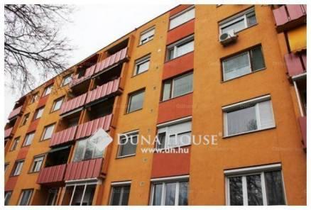 Kecskeméti lakás eladó, 54 négyzetméteres, 2 szobás
